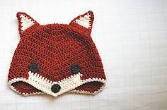 Johnson Gardner DIY: Crochet Fox Hat - free pattern, it's so cute! Crochet Fox, Diy Tricot Crochet, Crochet Animal Hats, Crochet Baby Hats, Crochet Beanie, Cute Crochet, Crochet For Kids, Crochet Crafts, Crochet Projects