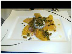 Orangensalat mit heißem Ziegenkäse. http://apps.facebook.com/berndes-rezepte