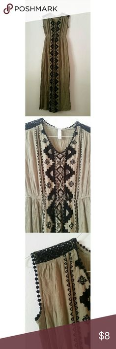 Xhiliration Maxi Tribal print olive green size xs wore a few times. Dainty lace on shoulders. Dresses Maxi