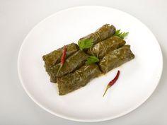 Reteta pentru Sarmale în foi de viţă Ethnic Recipes, Food, Essen, Meals, Yemek, Eten