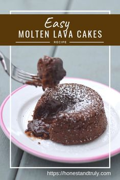 Chocolate Lava Cake Recipe: Delicious and Decadent Dessert Simple molten lava cakes recipe: Whether you call it a chocolate lava cake or a molten chocolate cake, this dessert is ready quickly and always wows a crowd. Easy Chocolate Lava Cake, Delicious Chocolate, Chocolate Recipes, Simple Chocolate Mousse Recipe, Decadent Chocolate, Chocolate Brownies, Hot Fudge, Köstliche Desserts, Delicious Desserts