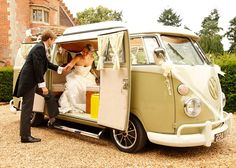 I'm in love!!!!!! vintage vdub weddings - start your special day the retro way