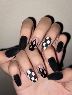 Edgy Nails, Grunge Nails, Stylish Nails, Trendy Nails, Swag Nails, 90s Grunge, Black Nails, Acrylic Nails Coffin Short, Simple Acrylic Nails