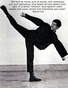 Forever Bruce Lee -the little dragon- plus Bruce Lee Martial Arts, Self Defense Martial Arts, Steven Seagal, Eminem, Bruce Lee Training, Wisdom Quotes, Life Quotes, Chuck Norris, Martial Arts Quotes