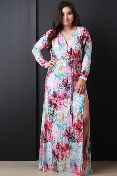 Description This plus size dress is maxi silhouette, featuring a deep v-neckline and side slit. Semi elastic waist band with a self tie belted sash. Quarter long sleeves. Splattered floral print desig