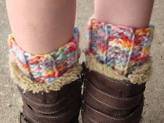 A free pattern! Ribbed Boot Cuffs... Perfect for fall. ♥