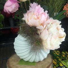 Mayflowers Floral Studio - At #Mayflowers, we delight in giving #breathtaking...
