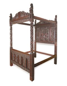 The Paradise Bed: Henry VII & Elizabeth of York October 1485 - January 1486 A rare and highly important Late Medieval oak four poster bed displaying the royal arms and devices of Henry VII. The importance of the bed, its excellence execution suggests a craftsman of the highest order. The lavish ornamentation resulted in a political power statement designed to denote honour and privilege. The four poster bed had an unrivalled position in the Medieval era as a barometer of status.