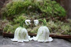 Schneeglöckchen Eierwärmer von WUNDER-WERKE-WOLLE auf DaWanda.com