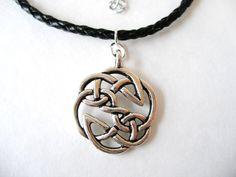 Irish Mens Warrior Antique Silver Celtic Knot Pendant Necklace