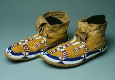 Circa 1880. Cheyenne partly beaded moccasins with maltese crosses. Morning Star Gallery. Native American Artifacts, Native American Beadwork, Native American History, Native American Fashion, Native American Indians, American Clothing, Native Americans, Indian Boots, Native American Moccasins