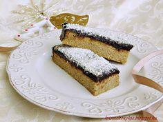 Kriszta konyhája- Sütni,főzni bárki tud!: Kókuszos szelet ( paleo )