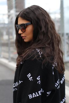 Balenciaga sweater Celine shadow sunglasses Norwegian fashion week 2017 More photos on my blog: www.sirinbaily.com Norwegian Fashion, More Photos, My Outfit, Balenciaga, About Me Blog, Long Hair Styles, Sweaters, Outfits, Sweater
