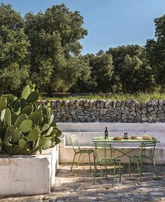 Renovation: an old farm turned into a hotel in Puglia - House side Outdoor Dining, Outdoor Spaces, Outdoor Decor, Landscape Design, Garden Design, Courtyard Design, Casa Top, Spanish Style Homes, Tuscan Decorating