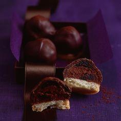 Rezept: Schokoladen-Amarenakirsch-Kekse - [LIVING AT HOME]