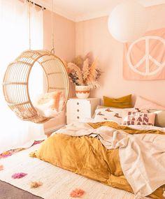 Pink & ochre bedroom with round rattan hangin chair Tween Girls Bedroom Bedroom Chair hangin Ochre Pink Rattan Room Ideas Bedroom, Home Bedroom, Master Bedroom, Bedroom Inspo, Bedroom Inspiration, Modern Bedroom, Bedroom Ideas For Small Rooms Women, Small Room Bedroom, Ikea Teen Bedroom