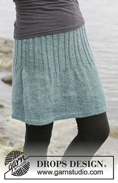 """Knitted DROPS skirt in stockinette st with rib, worked top down in """"Karisma"""". Size: S - XXXL. stricken Angel Falls Skirt pattern by DROPS design Crochet Skirts, Knit Skirt, Knit Dress, Knit Crochet, Knit Cowl, Hand Crochet, Crochet Baby, Knitting Patterns Free, Knit Patterns"""