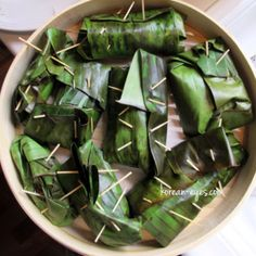 A bamboo steamer is a must!  This is a great recipe for some good ol' street food like in Thailand.