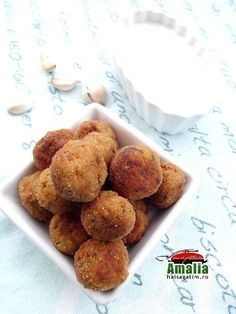 Zucchini and feta cheese balls - amalia Cheese Ball, Feta, Tzatziki, Cereal, Muffin, Appetizers, Snacks, Breakfast, Balls