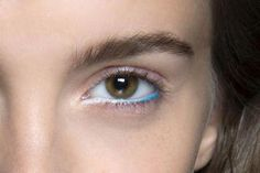 35 Ways to Wear Colorful Eyeliner | StyleCaster #HowToApplyEyeliner Perfect Eyeliner, How To Apply Eyeliner, Gel Eyeliner, How To Apply Makeup, Applying Makeup, How To Apply Blusher, Waterline Eye Liner, Too Much Makeup, Blending Eyeshadow
