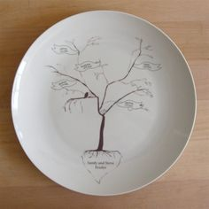Family Tree Platter, perfect gift for Mom, in-laws or grandparents.  Personalize it with just your family or include cousins for an extended family platter.  Dishwasher and microwave safe porcelain, but it also includes holes on the back if you just want to hang it up.