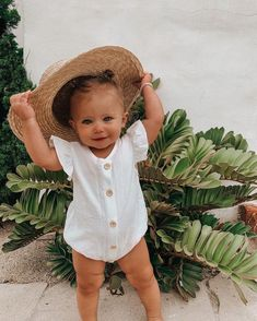 Cute Baby Girl Outfits, Cute Outfits For Kids, Cute Baby Clothes, Cute Kids, Cute Babies, Cute Toddlers, Mom Hats, Foto Baby, Cute Baby Pictures