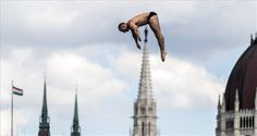 Budapest, Hungary Russia's Igor Semashko competes in the semi-final of the men's high-diving competition. High Diving, Swimming World, Cave Diving, Semi Final, World Championship, A 17, Photojournalism, Great Photos, Photo S