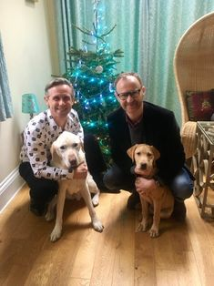 Mark and Ian Christmas Too darn cute. League Of Gentlemen, Mycroft Holmes, Mark Gatiss, Guide To The Galaxy, Better Half, Johnlock, Baker Street, Martin Freeman, Sherlock Bbc