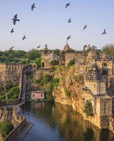 Jaya Stambh and Kirti Stambh in Chittorgarh, India Places Around The World, Oh The Places You'll Go, Travel Around The World, Places To Travel, Places To Visit, Around The Worlds, Vacation Destinations, Dream Vacations, Goa