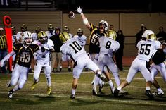 Mitty quarterback Wyatt Hansen tosses a pass in a 35-21 win over St. Francis