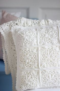 Crochet Patterns Pillow Cushion – Beautiful crochet pillow – a unique product by bleuetrose at DaW … Crochet Squares, Crochet Granny, Crochet Motif, Crochet Lace, Granny Squares, Knitting Patterns, Crochet Bedspread, Crochet Cushions, Knit Patterns