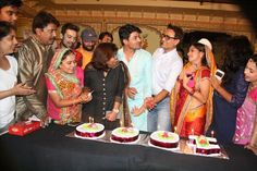 Star Plus's show Diya aur Baati hum celebrates completion of 1000 episodes. For more updates please visit #getmovieinfo