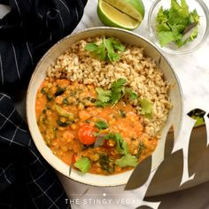 This coconut lentil curry is both creamy and filling. A healthy plant-based dish that is the perfect budget-friendly vegan dinner! food videos on a budget 30 Minute Coconut Lentil Curry Lentil Recipes, Soup Recipes, Vegetarian Recipes, Oats Recipes, Healthy Vegetarian Breakfast, Dinner Healthy, Coconut Lentil Curry, Coconut Vegetable Curry, Quinoa Curry