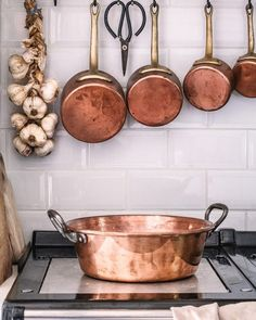45 Top French Country Farmhouse Decor Inspiration - Home Professional Decoration French Country Kitchens, French Country Farmhouse, French Kitchen, French Cottage, French Country Style, Country Bathrooms, Tuscan Kitchens, Rustic Kitchens, Cottage Kitchens