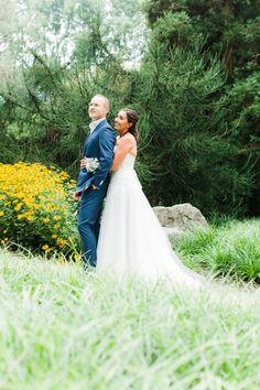#bruidspaar #trouwfoto #bos #natuur #bruiloft #inspiratie #wedding #inspiration Trouwen op de unieke Paviljoen Puur in Diemen | ThePerfectWedding.nl | Anouschka Rokebrand Photography