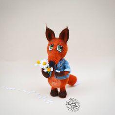 6 отметок «Нравится», 1 комментариев — Handmade toys 🌸Вязаные игрушки (@creative.forever) в Instagram: «Лисичка вязаная крючком. Рост 16 см, пряжа полушерсть, 100%хлопок. Куртка и сама лисичка…»