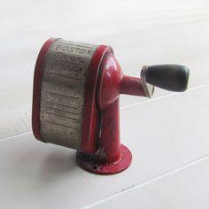 vintage pencil sharpener. 85/140. Everhandy Pencil Sharpener