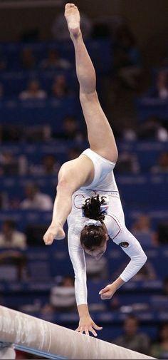 Gymnastics Flexibility, Acrobatic Gymnastics, Sport Gymnastics, Artistic Gymnastics, Olympic Gymnastics, Gymnastics Leotards, Girls Sports Clothes, Sporty Girls, Gymnastics Photography