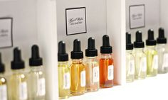 Chanel-Inspired DIY Perfume Bar for 30 - Kit Includes 16 Fragrance Notes, All Necessary Tools, and 30 Empty Bottles - Weddings and Events