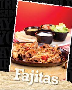 """Lomito fino y pechuga de pollo al estilo original de las fajitas de San Antonio Texas. Estas carnes son marinadas, asadas y cortadas en """"fajitas"""" salteadas con julianas de cebolla y pimentones. Se acompañan con lechugas, guacamole, sour-cream, pico de gallo y tortillas de harina."""