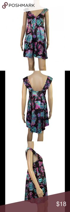 EUC satin printed dress EUC satin printed dress. Pixelated floral print. Absolutely no signs of wear in any sense. Not see through at all. Size 6 - fits true to size. Would look gorgeous worn as is or belted. i.d.s Dresses