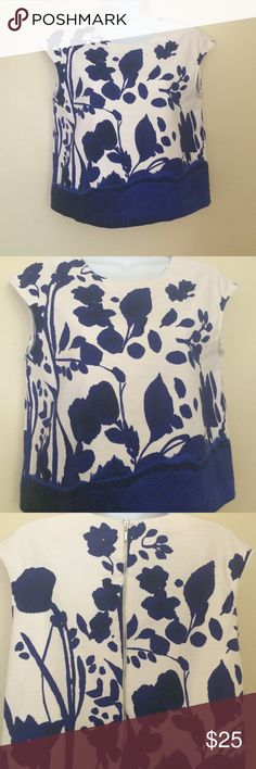 Zara Blue Floral Cropped Blouse In great condition! 98% cotton 2% elastane. Blue, black and white colored floral design. Zara Tops Crop Tops