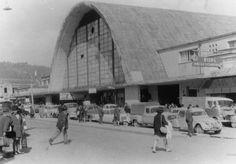 Enterreno - Fotos históricas de chile - fotos antiguas de Chile - Mercado Central de Concepción en 1960 Bauhaus, Opera House, Louvre, In This Moment, Building, Travel, Google, Historian, Maps