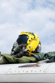 Awesome Paint on this Pilot's Helmet!