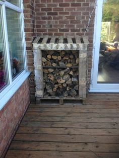 Cute Top 10 Inspirations to Make Your Logshed From Pallets  #best-of #garden #logshed #logstore #palletproject #palletwood #recyclingwoodpallets Winter is here, instead of buying a ready-made log shed, you may prefer to build it out of pallets. A wood store will provide ideal storage for your f...