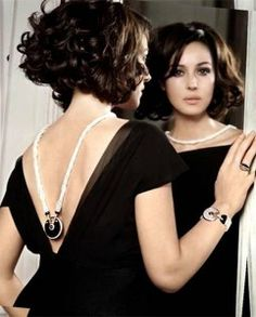 Trendy Short Hair Trends Hairstyles Idea For Thick Wavy Hair Over 40 Pictures Wallpaper Short Wavy Haircuts, Short Hairstyles For Women, Easy Hairstyles, Monica Bellucci, Hair Styles 2014, Curly Hair Styles, Short Hair Trends, Thick Curly Hair, Style Simple