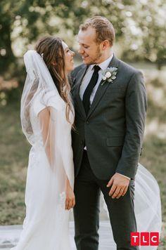 See Josiah and Lauren Duggar's Wedding Photos! Wedding Couples, Wedding Photos, Wedding Ideas, Duggar Girls, Duggar Wedding, Couple Photography, Wedding Photography, Dugger Family, Bates Family