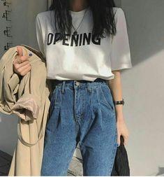 Korean Fashion Trends you can Steal – Designer Fashion Tips Korean Girl Fashion, Korean Fashion Trends, Ulzzang Fashion, Korean Street Fashion, Asian Fashion, Look Fashion, Teen Fashion, Fashion Outfits, Skater Fashion