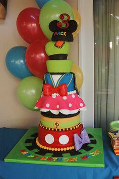 Mickey Mouse Clubhouse cake. WOW!!!