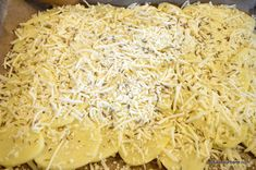 Rulada aperitiv din cartofi cu sunca si cascaval | Savori Urbane Coconut Flakes, Grains, Spices, Cheese, Recipes, Food, Fine Dining, Spice, Recipies